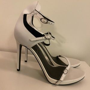 New! Kendall and Kyle White Sandals 4inch heels